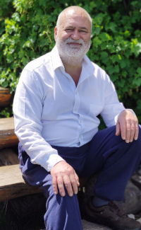 Who is Josep Gimbernat, disseminator and teacher of personal growth, spirituality, tarot, astrological psychology, huber method, evolutionary numerology, martine coquatrix method, the 7 esoteric rays, the 12 chakras